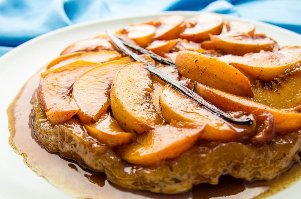 Peach tarte tartin